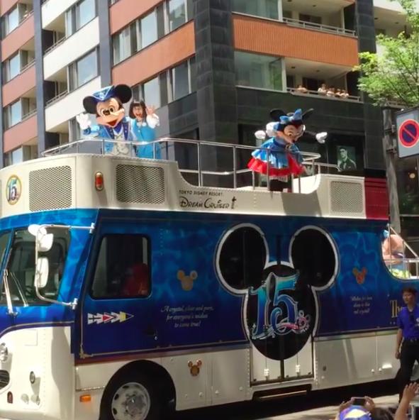 街中にミッキーがやって来た!