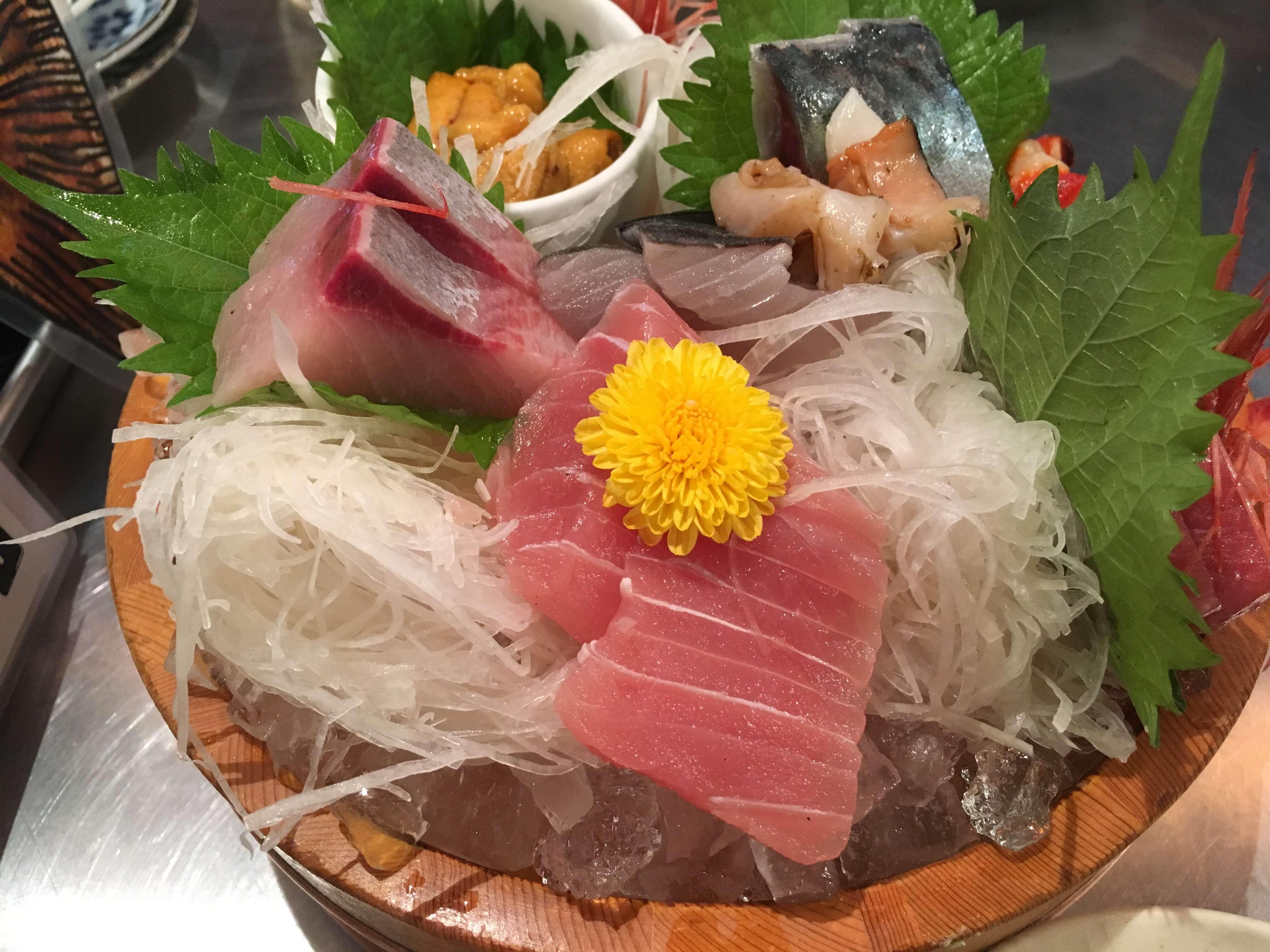「刺身盛り合わせください!」と言ってはいけないお店の刺身の盛り合わせが凄かった @ 川端鮮魚店