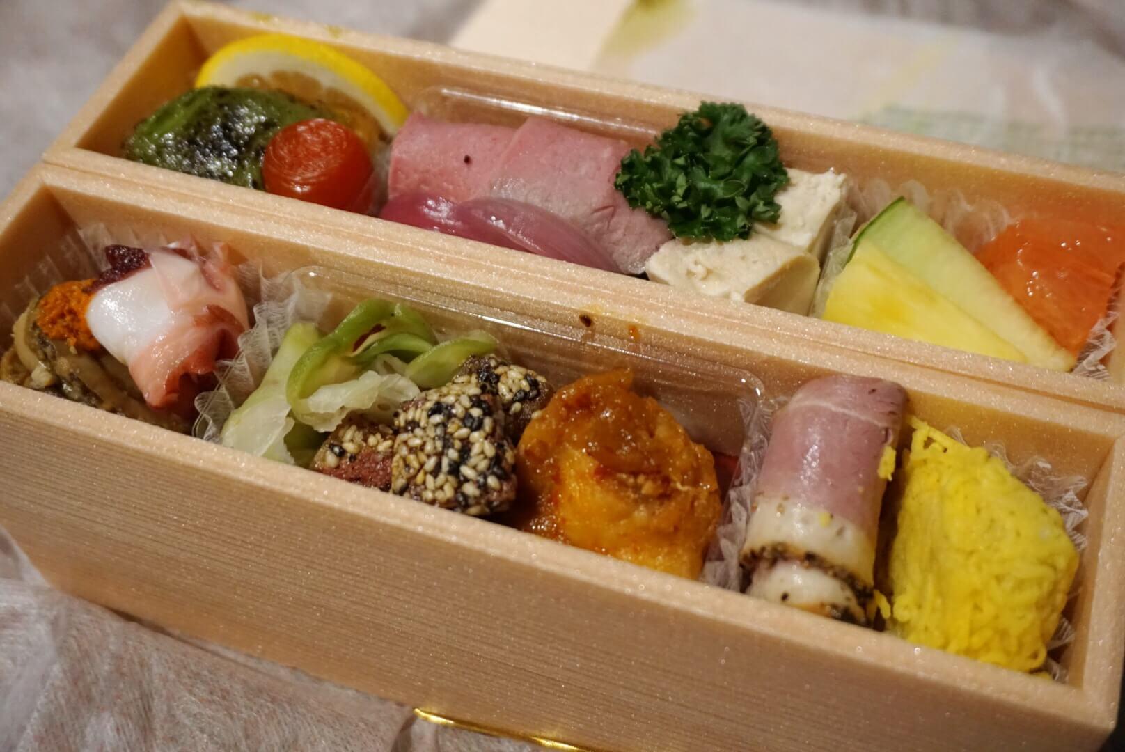 金沢ニューグランドホテルの『お届け 秋の行楽弁当』を食べてみた !!