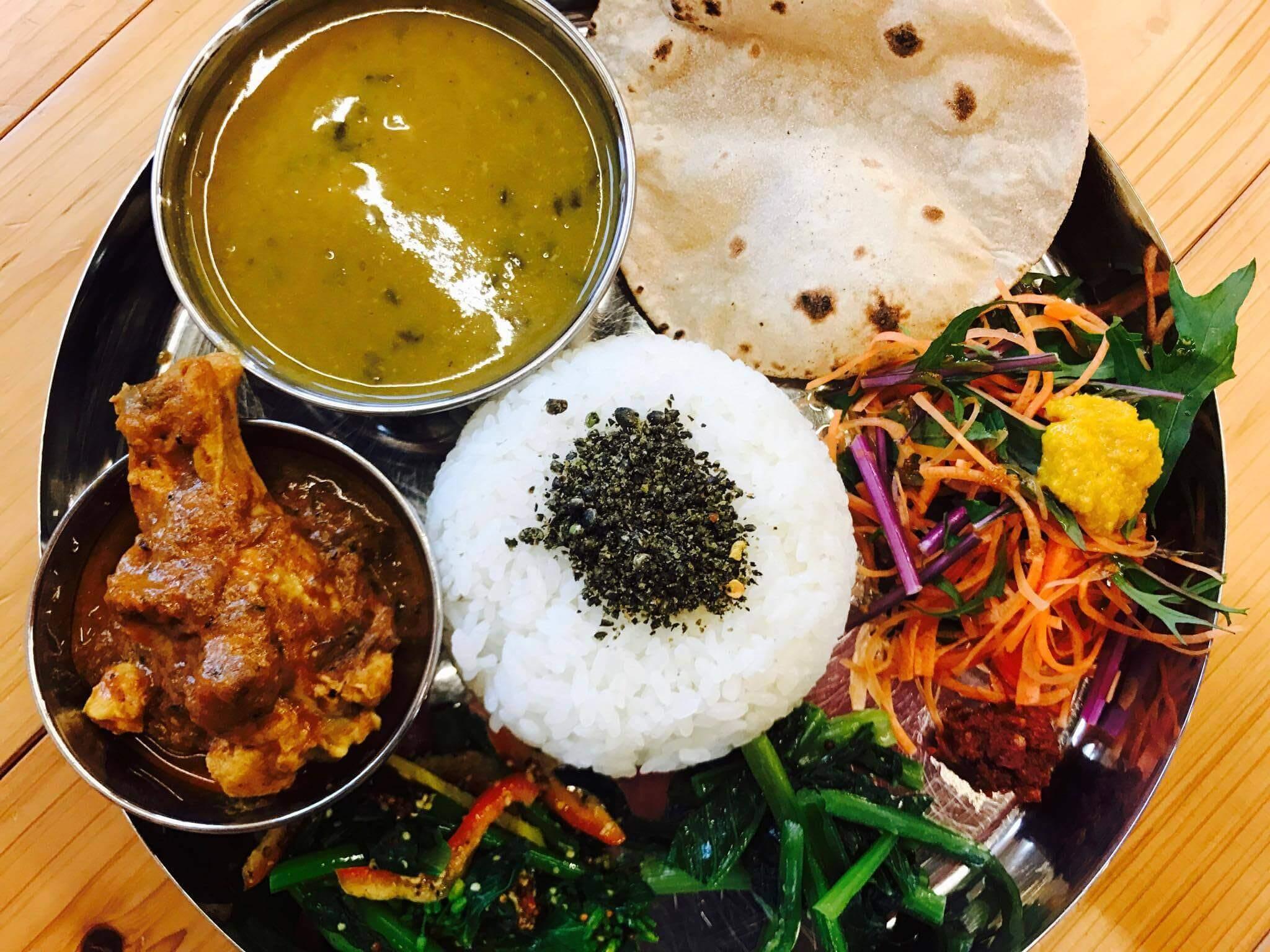 『コイノボリ食堂』で出会ったネパール現地の家庭の味。美味しさの秘密は「無農薬の野菜」にあり。