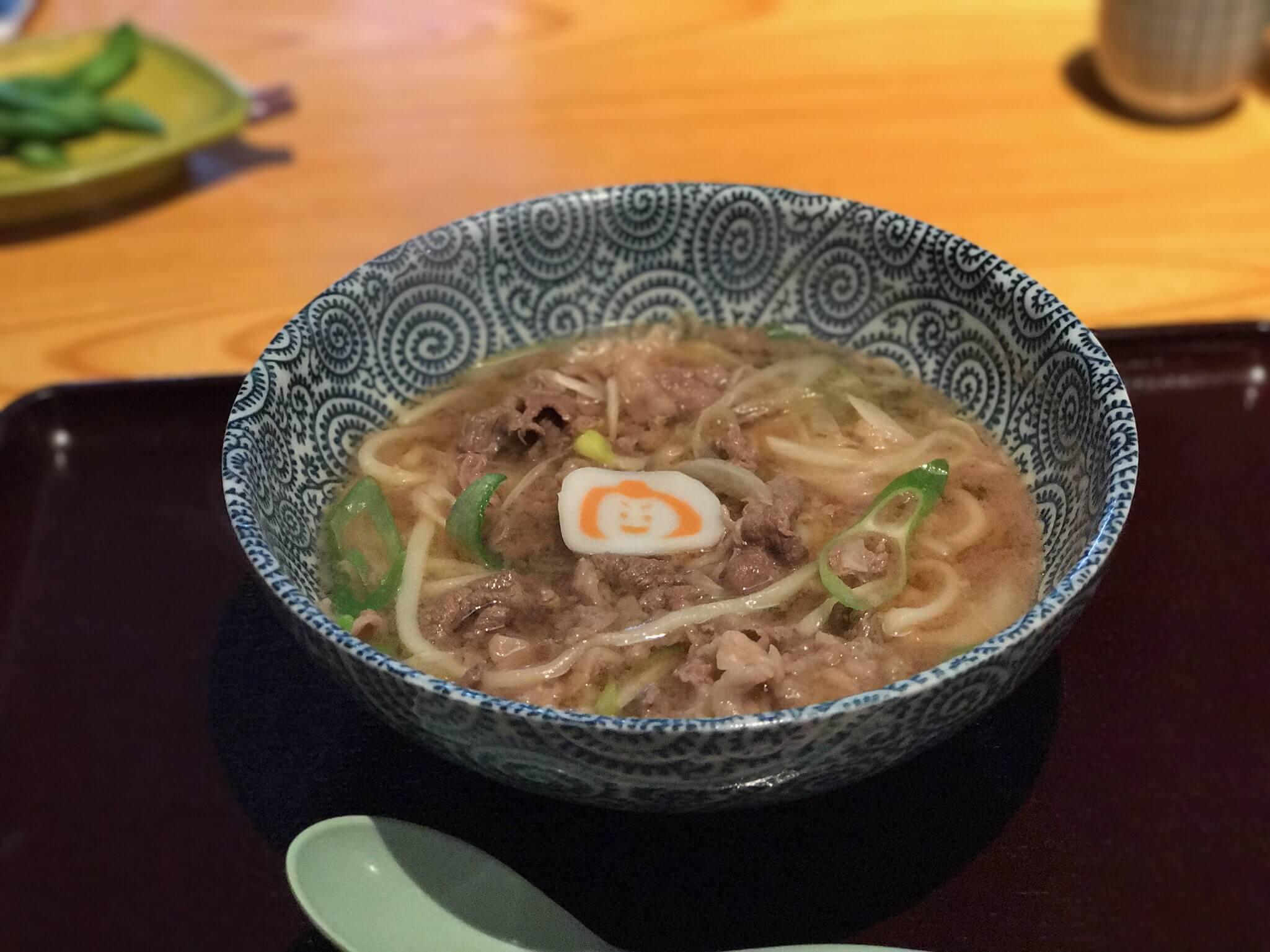 『 小松うどん道場 つるっと 』で、日本一の肉うどんを食す