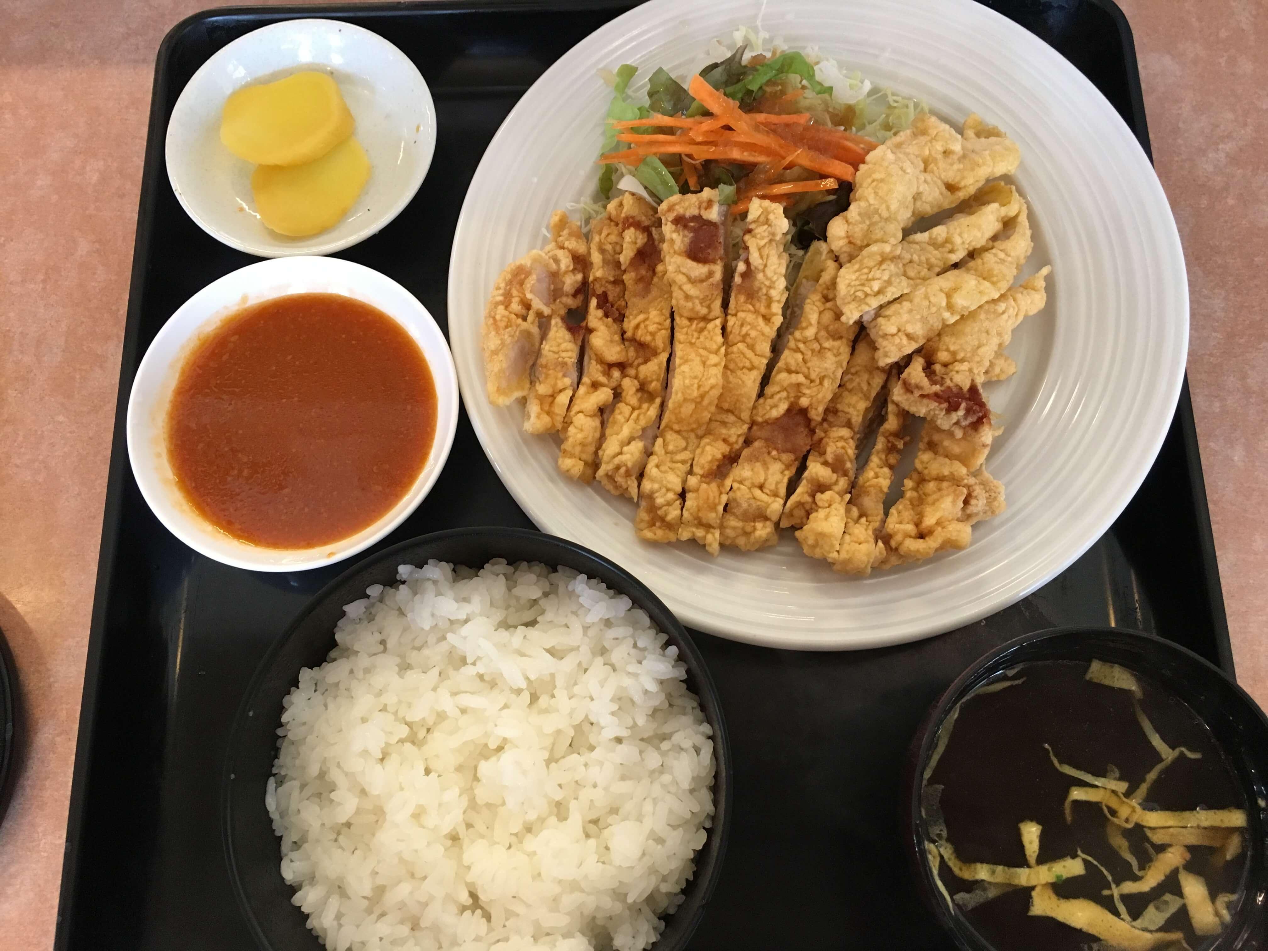 柿木畠にある「 中華 北京 」のボリューム満点「 肉天定食 」