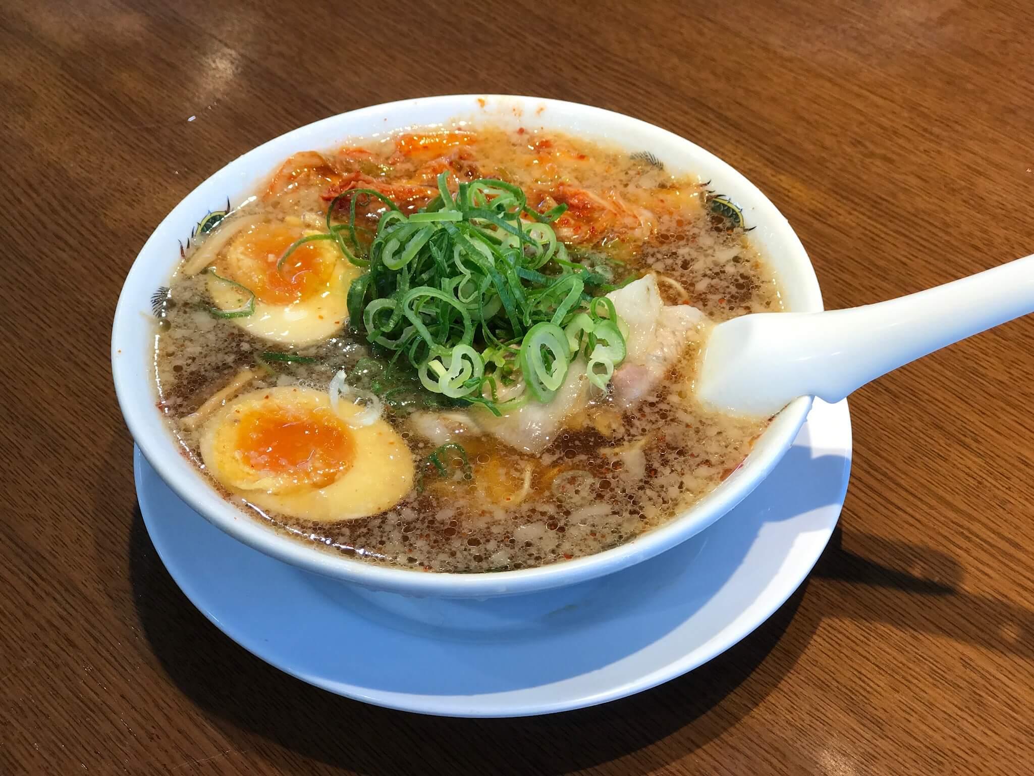 やっぱり「 来来亭 」のラーメンのスープはうまいっす !!