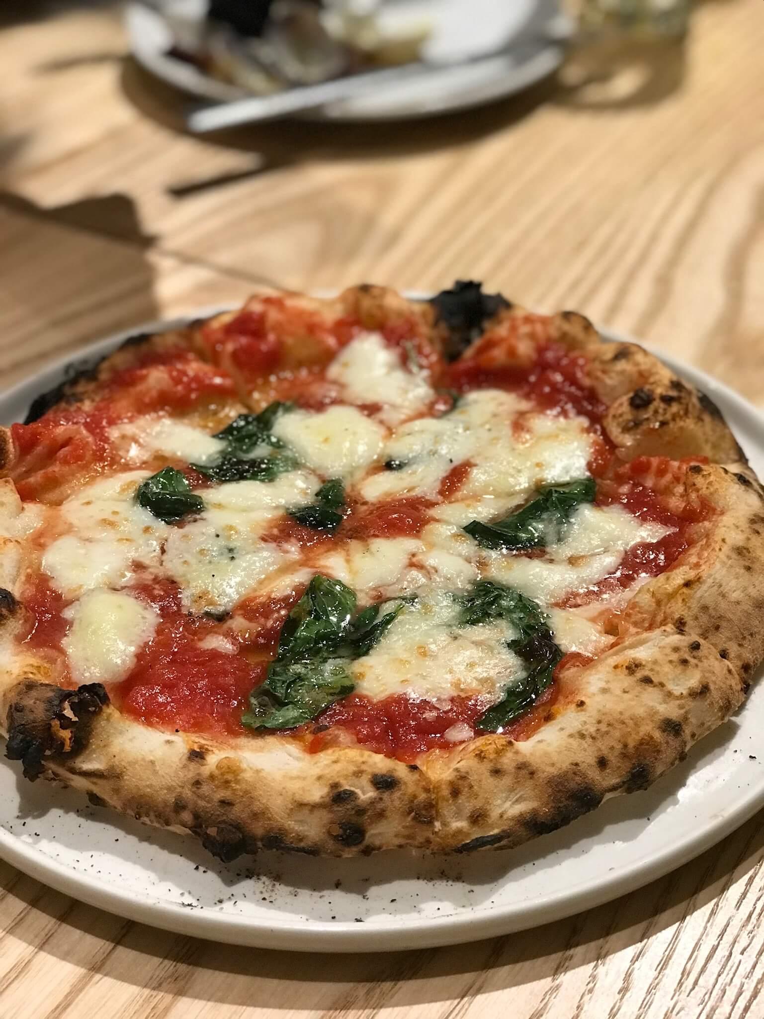 泉野町で今話題のピッツェリア「クエルチャ」は美味しいだけじゃなくてとってもリーズナブル!!
