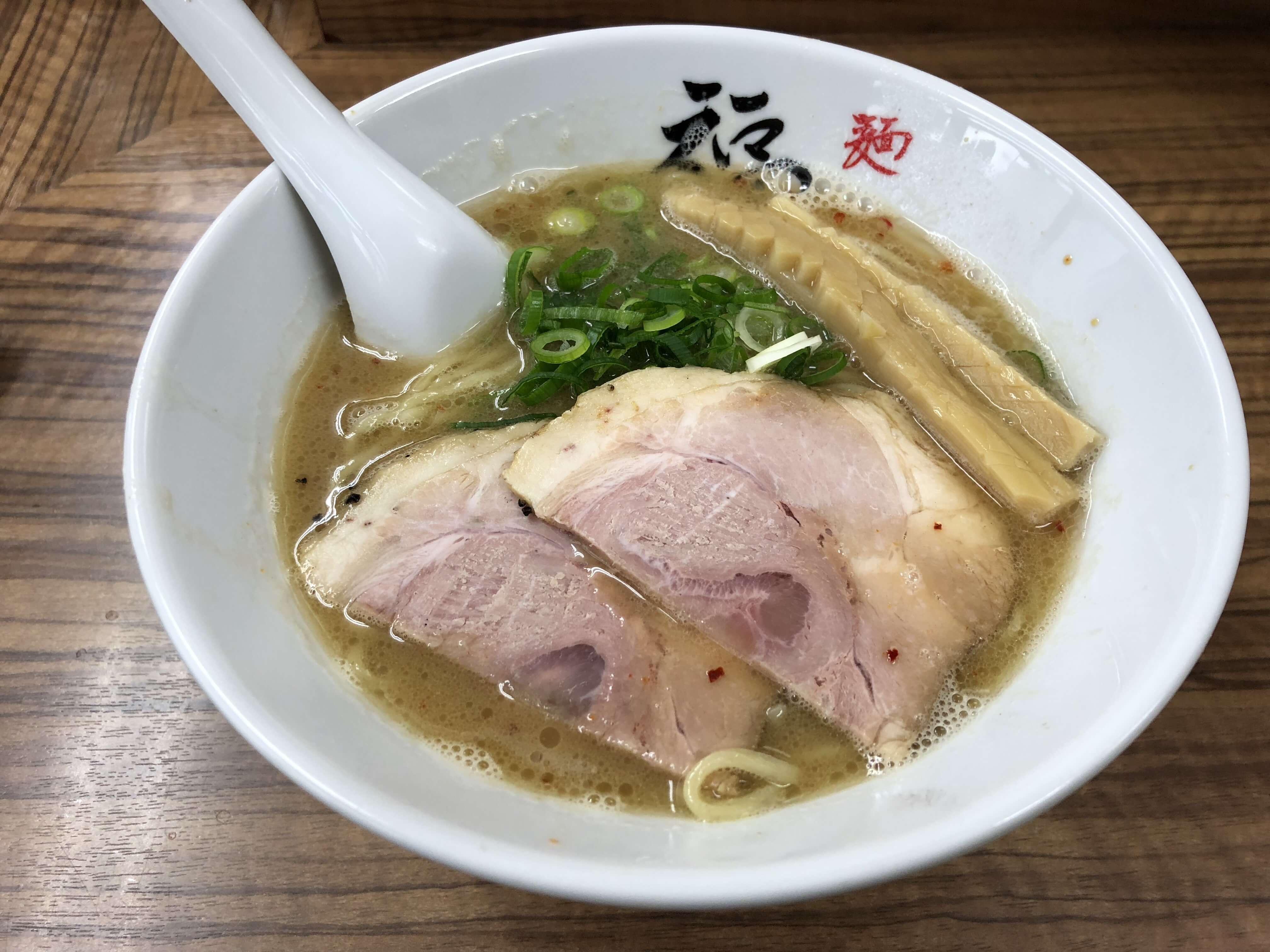 『麺や 福座』で王道「福座ラーメン」。京都と金沢がコラボレーションした味わい深いラーメン