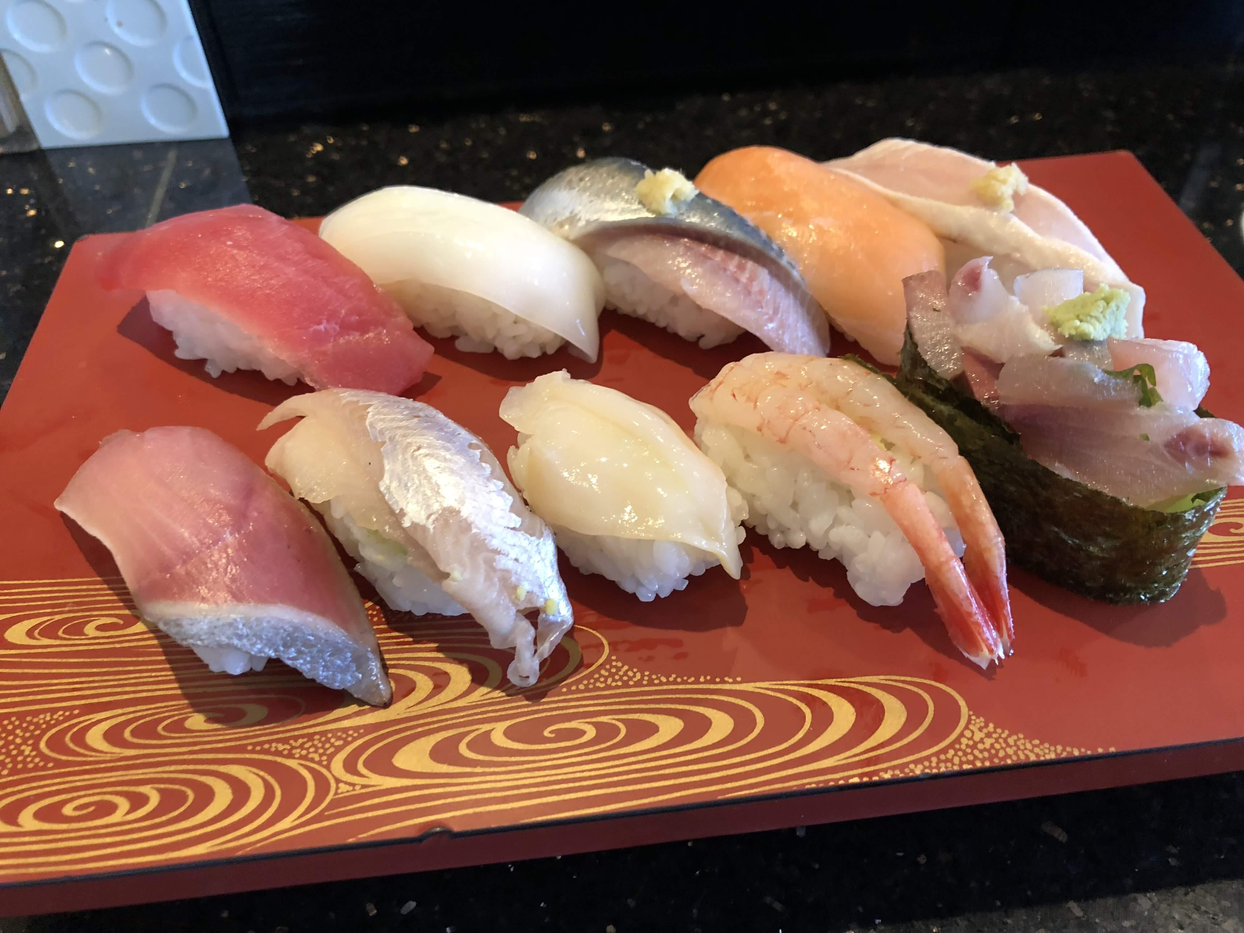 泉丘のオシャレ回転寿司『左衛門』のお得な寿司ランチ