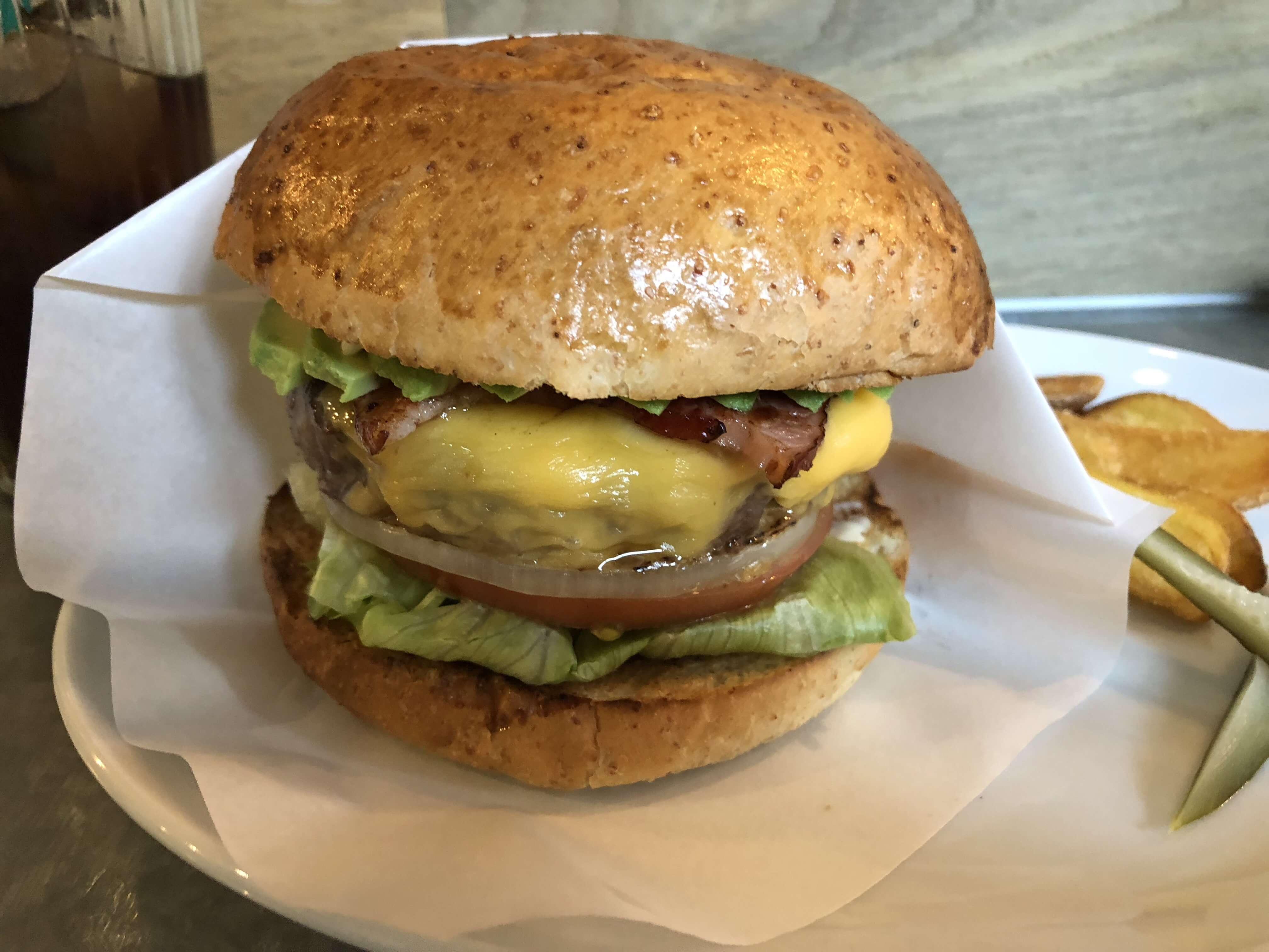 『 The Godburger ( ザ・ゴッドバーガー )』プレミアム・ハンバーガー。1,000円越えのハンバーガー流石の実力!!