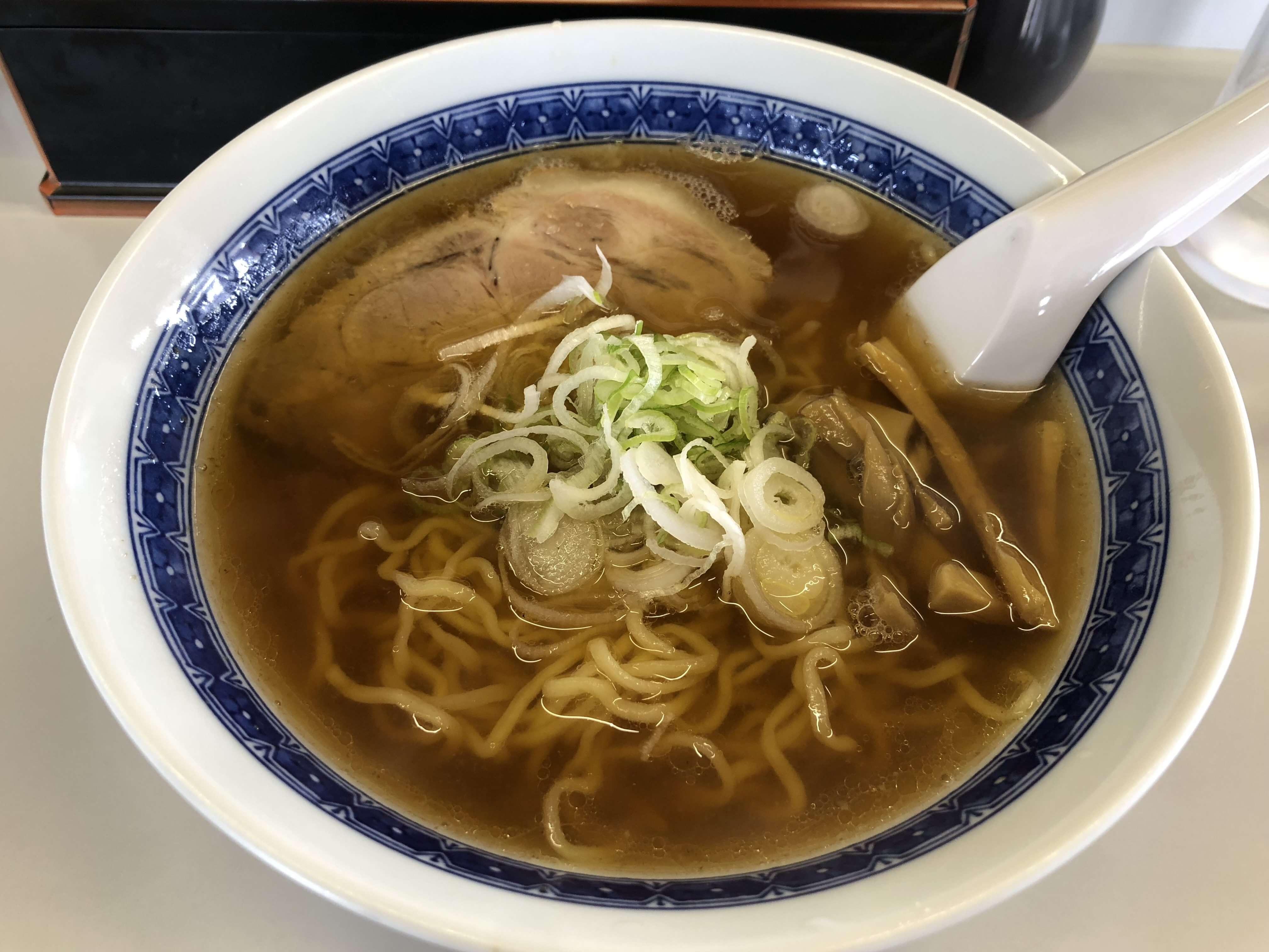 「 中華そば もきち 」澄んだスープが印象的なあっさり醤油ラーメン