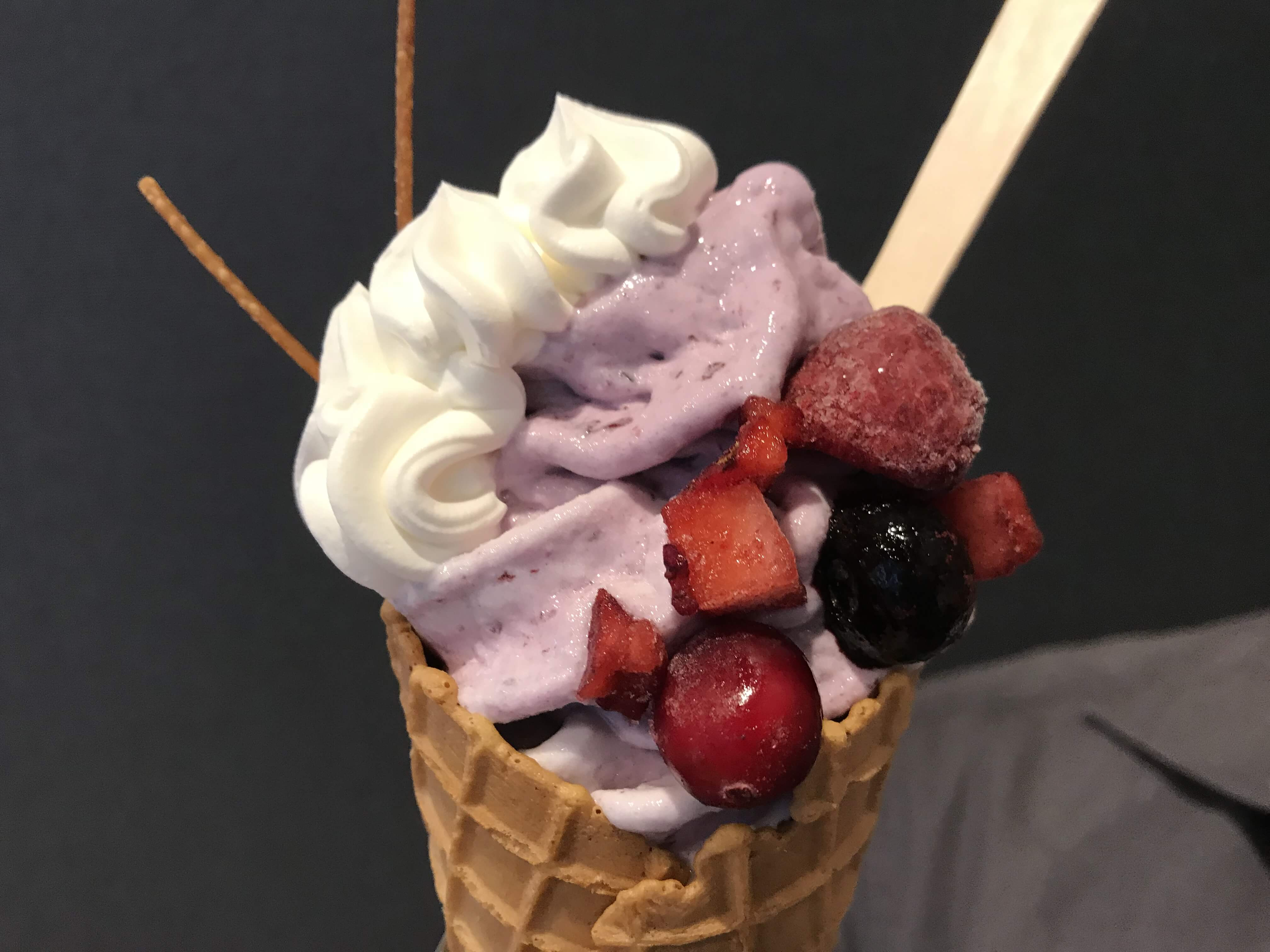 『CHLL OUT&ソフトクリーム畑』思わず迷ってしまう!種類豊富なソフトクリーム。クレープもあるよ