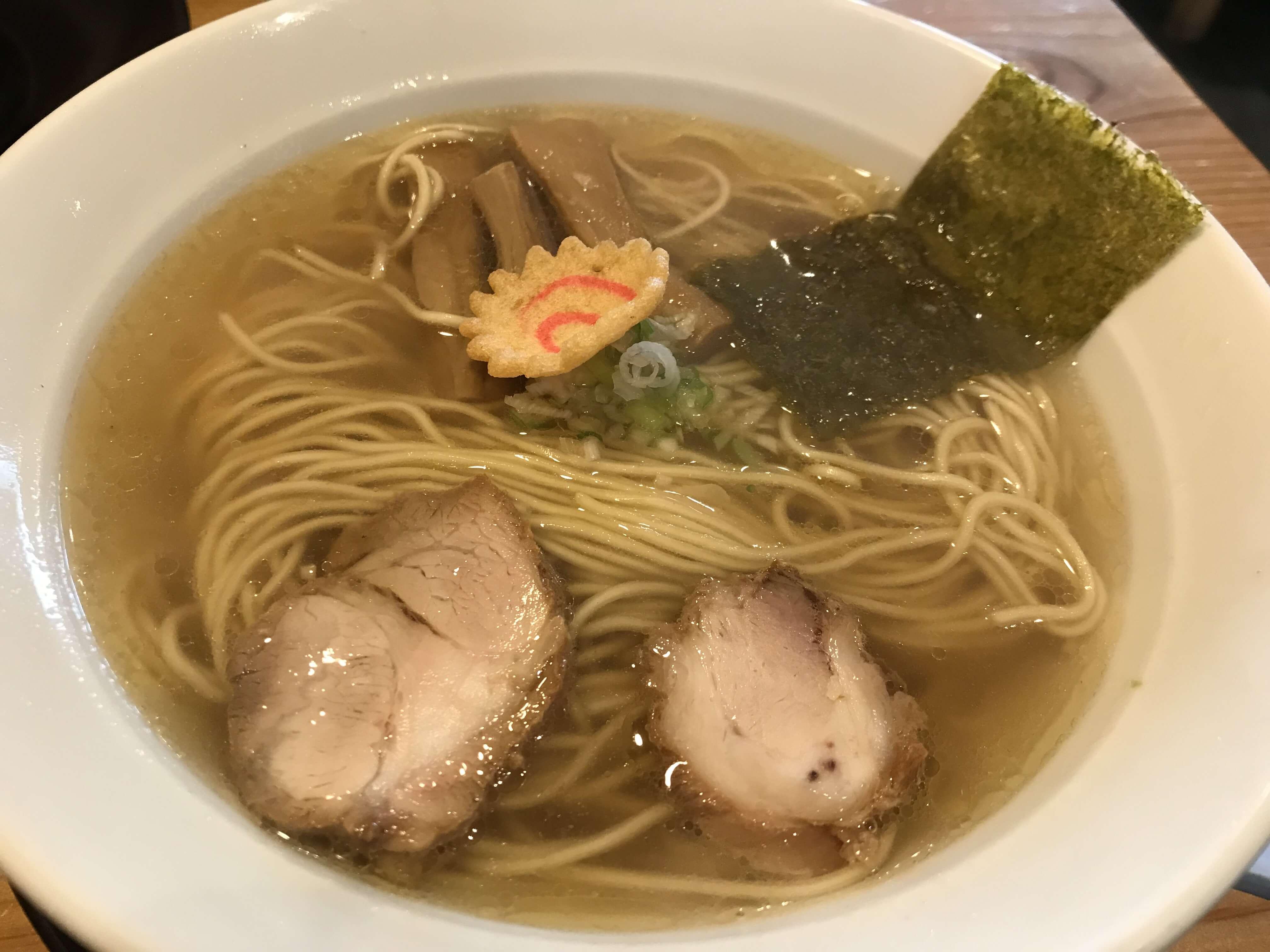 『客野製麺所』あっさり奥深いスープに自家製麺のコシ!こだわり醤油ラーメンは優しく染みる味。