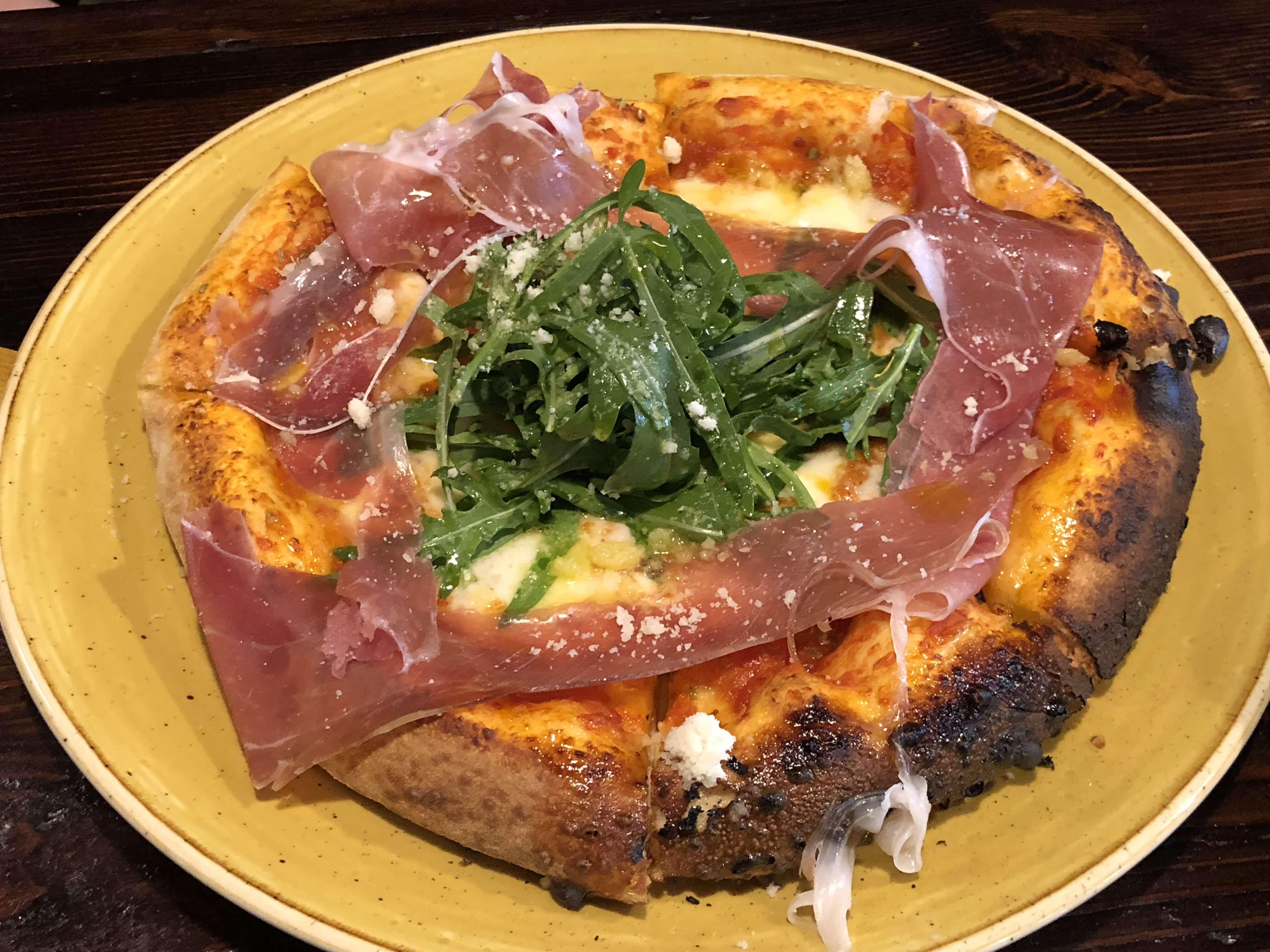 『 ピッツァ ブッダ ゴリラ 』石窯で焼きがえるこだわりのピザを食べてきた !!