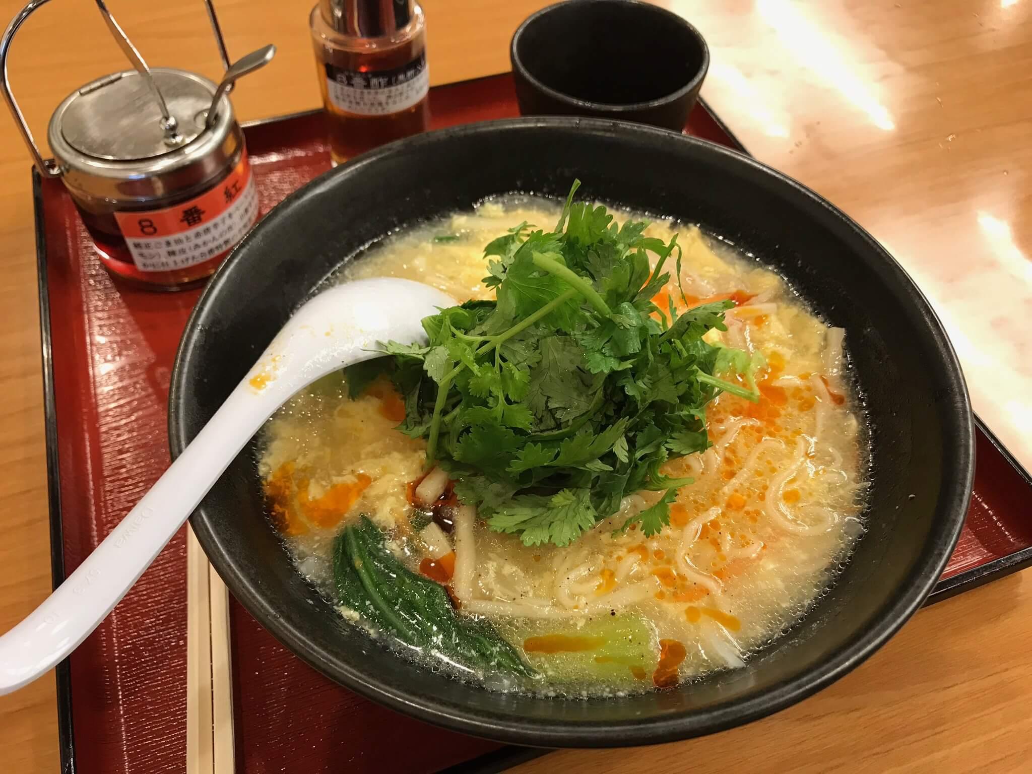 8番らーめん 冬の定番「酸辣湯麺 」と、期間限定「パクチー酸辣湯麺」がいよいよ発売!! 早速食べてきた!!