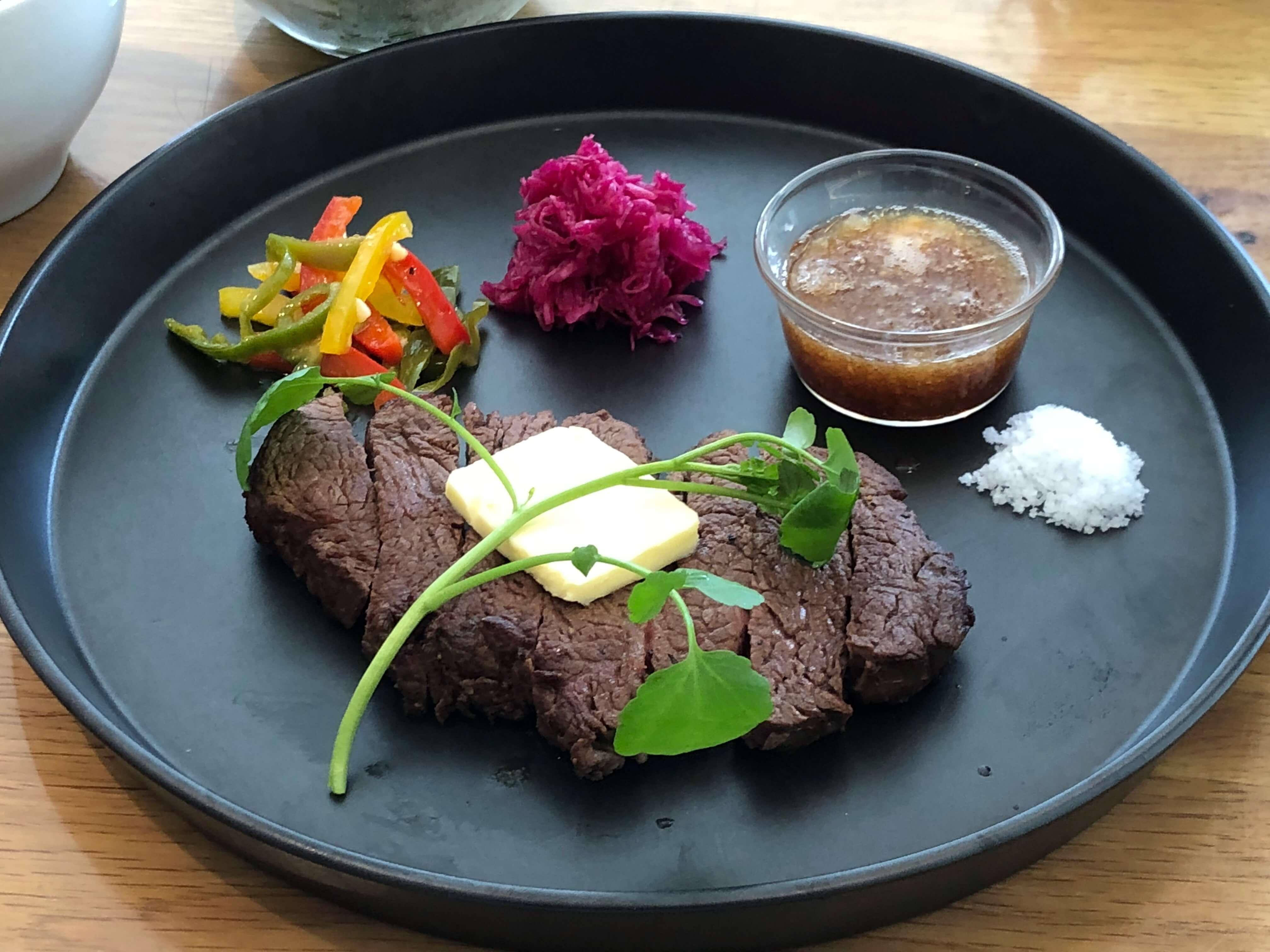 スコール金沢で味わう『 CAFE 87 』健康食のイメージを一新するスタイリッシュなカフェ料理