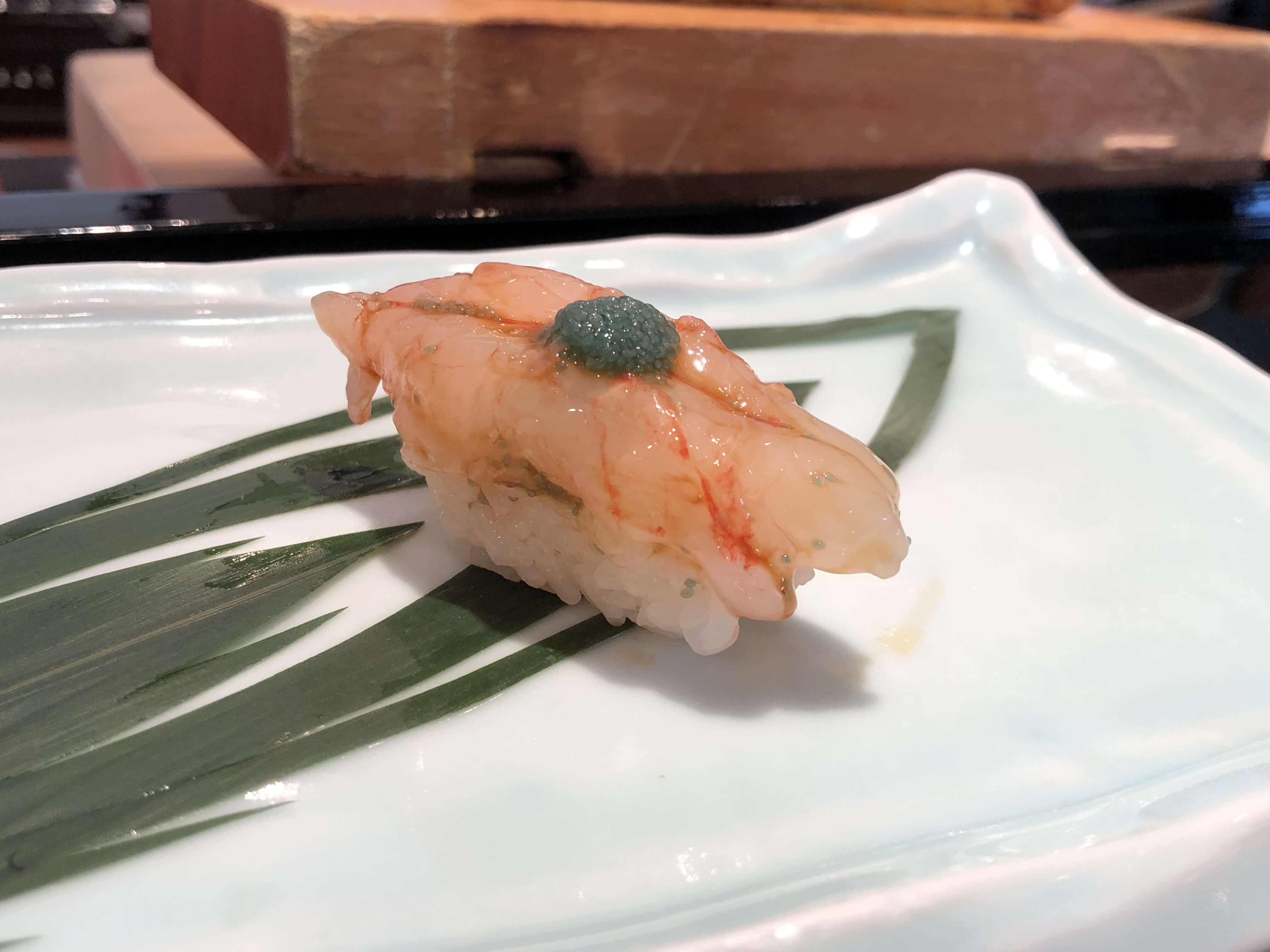 「 すし融 」金沢市郊外で人気の鮨店。リーズナブルな価格で本格的な鮨を心ゆくまで !!