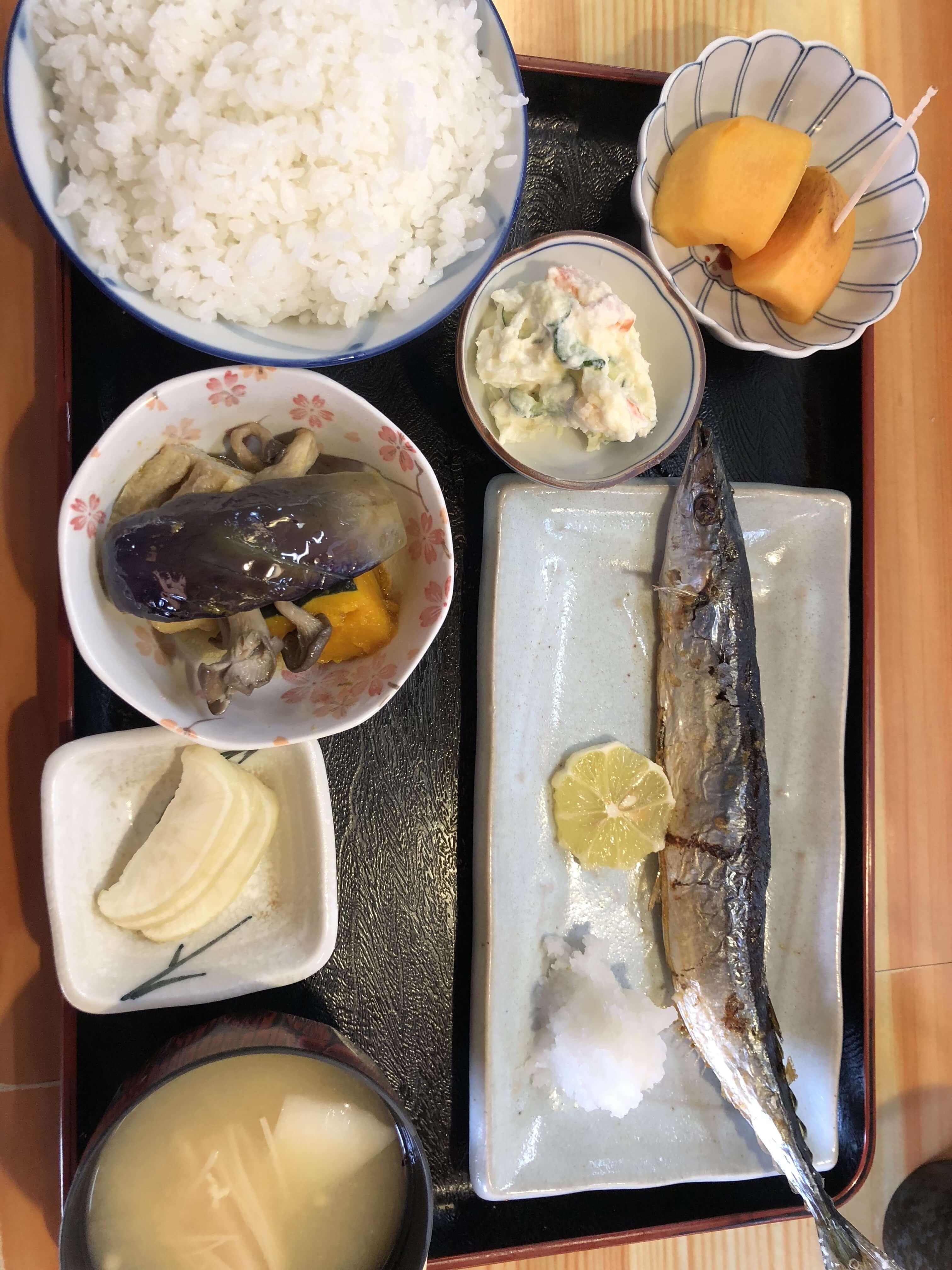 『 串焼きと食事の店 とり兵衛 』でお得ランチ !!