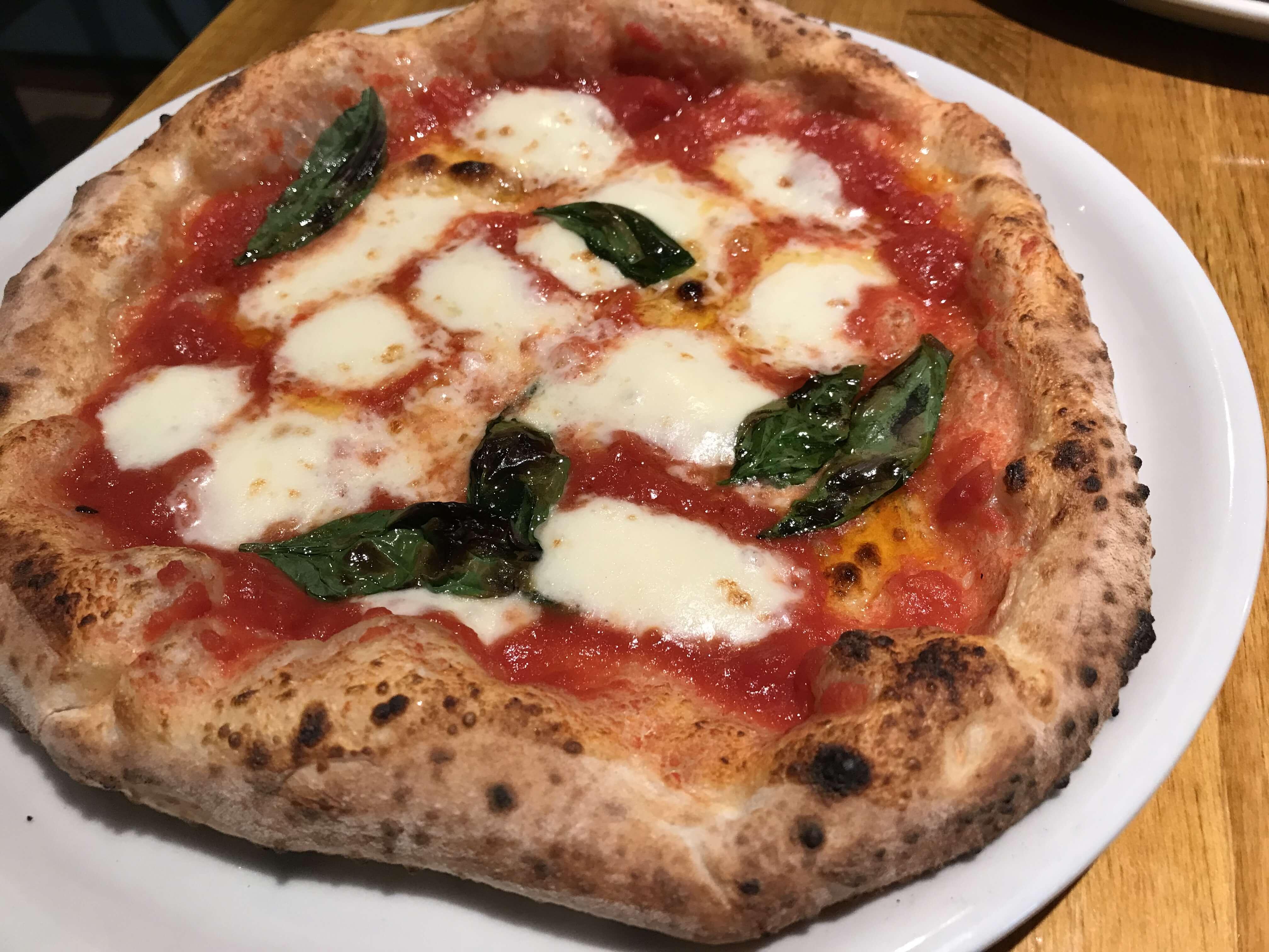 『SALINA(サリーナ)』本場ナポリが認めた絶品ピッツァが味わえる。香林坊に移転オープンしてました!