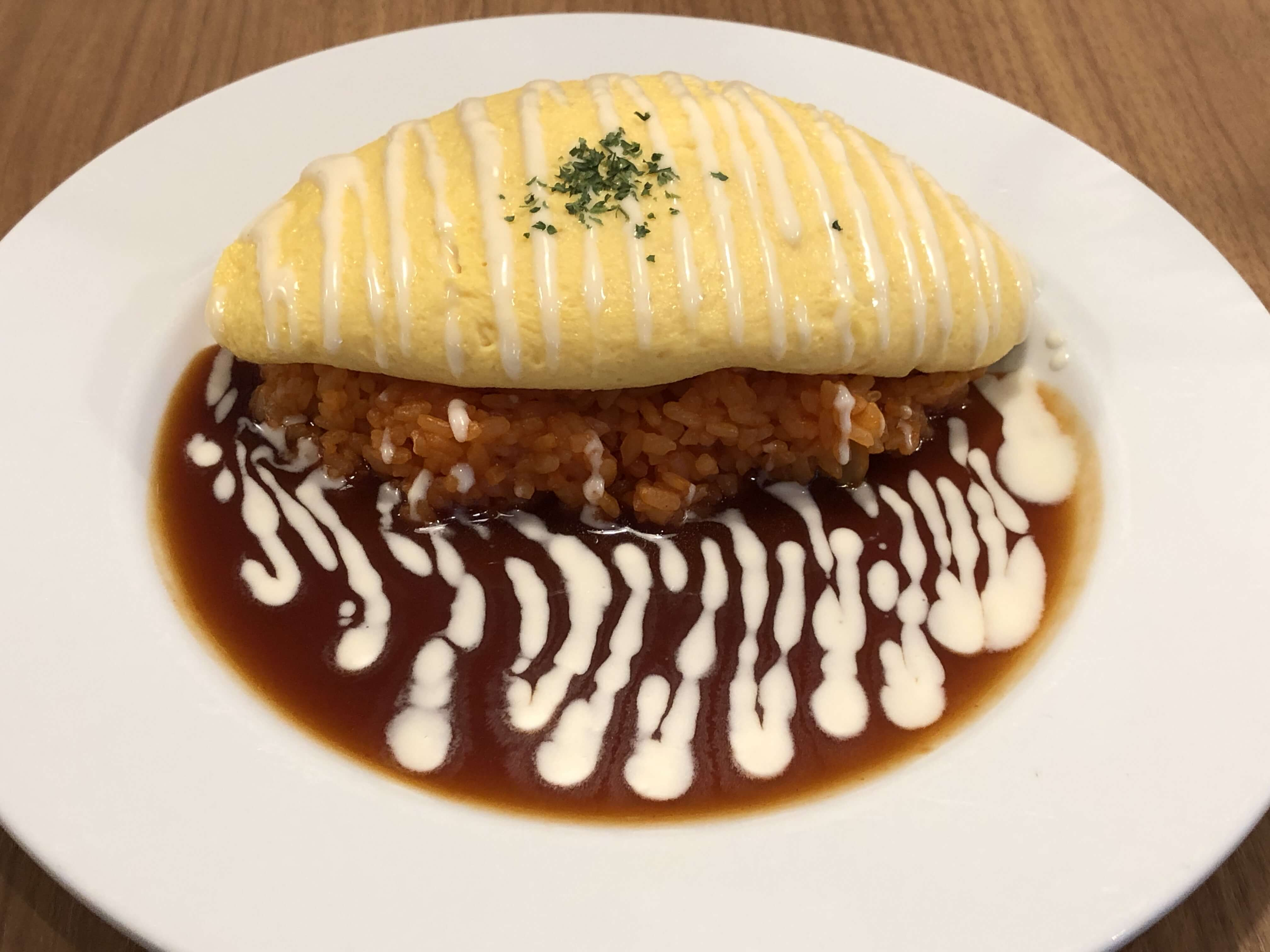 『 RRR GRILL KITCHEN 』お洒落カフェで人気No.1のたんぽぽオムライス!!