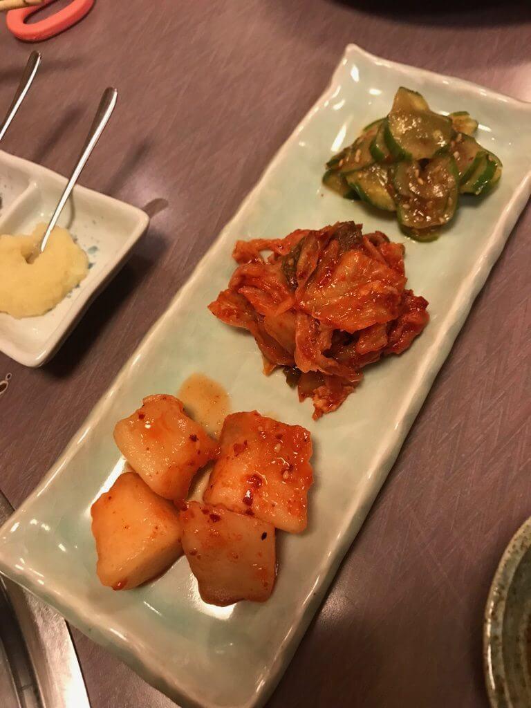 炭火焼肉ぶーちゃん_キムチ3種盛り