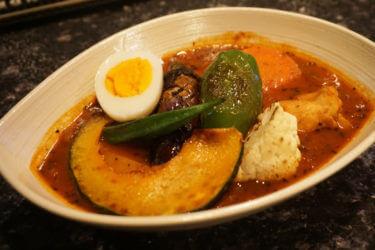 〆にスープカレーが新しい。酒+シーシャ+スープカレーを朝5時まで @ Bar Manosu