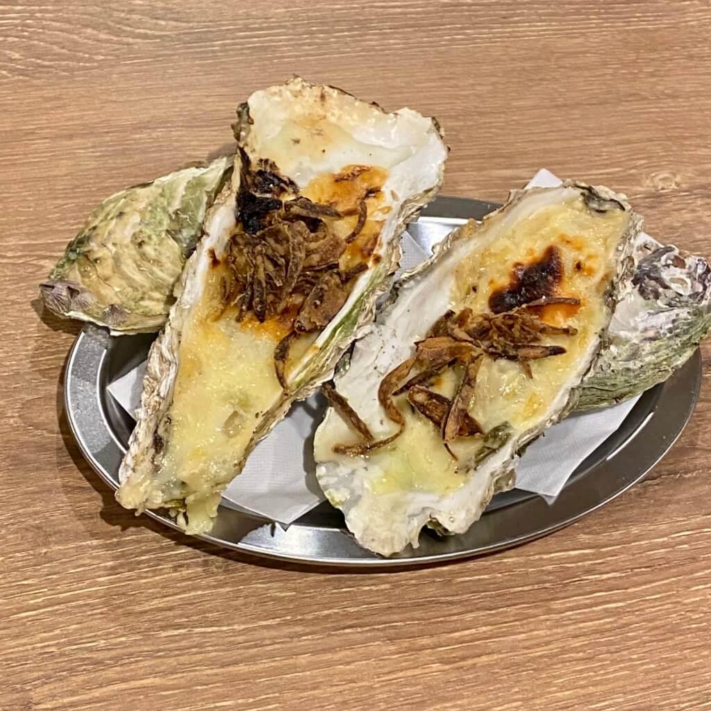 ワイン食堂オッチョ 近江町_岩牡蠣のグラタン