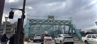金沢の有形文化財『犀川大橋』は、まるで大きな工芸作品!