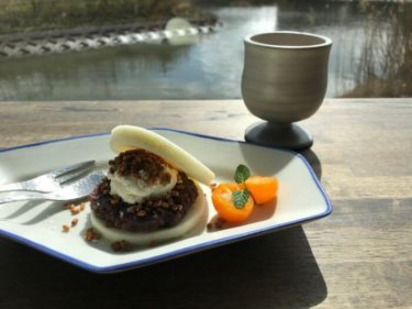 「Ten riverside(テン リバーサイド)」金沢市金石にオシャレな川沿いのカフェが登場!金棒茶を楽しもう。