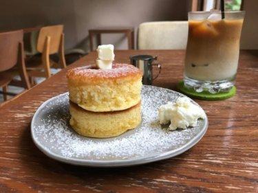 「安江町ジャルダン」隠れ家カフェで楽しむ金沢町家の空間とふわふわパンケーキ。